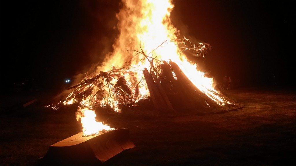 Huge Courtney bonfire